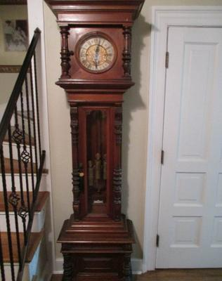 Fantastic walnut Blind Man's Clock