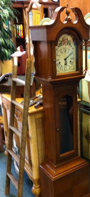 Colonial Grandmother clock?