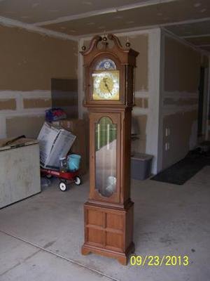 Please HELP! Need to know what clock this is!