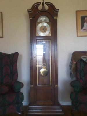 FOR SALE: Ridgeway Grandfather Clock 252-253