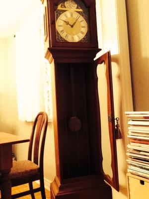 Hentschel floor clock Model 3030