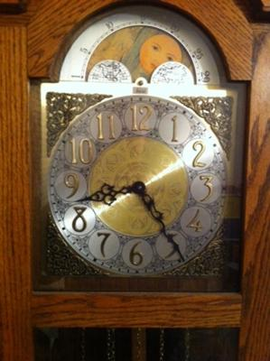 Hentschel floor clock dial
