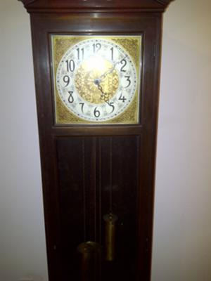 Colonial Mfg Co Grandfather Clock face